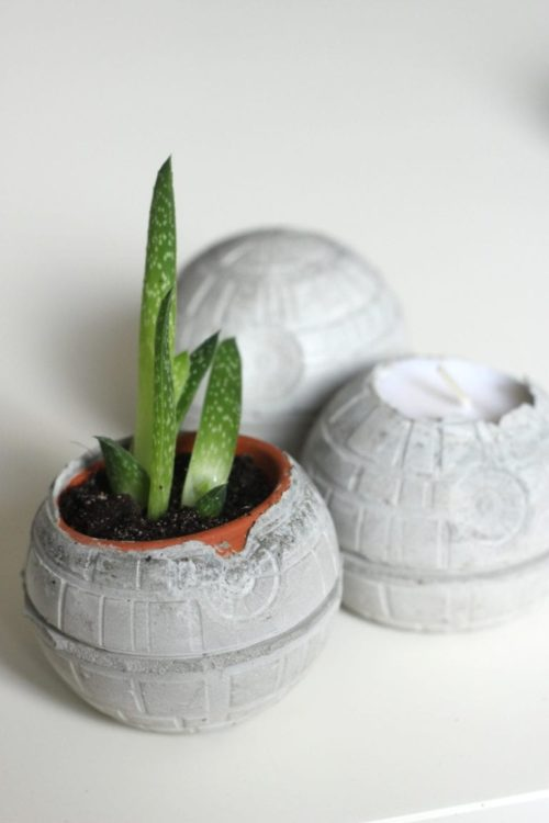 Concrete Death Stars DIY