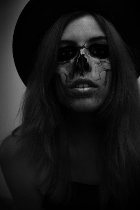 Halloween Skeleton Selfie- Photoshop Tutorial