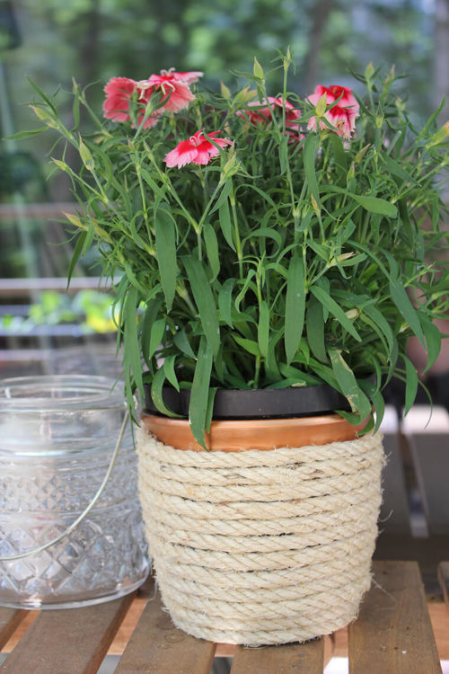 DIY rope planter with copper paint